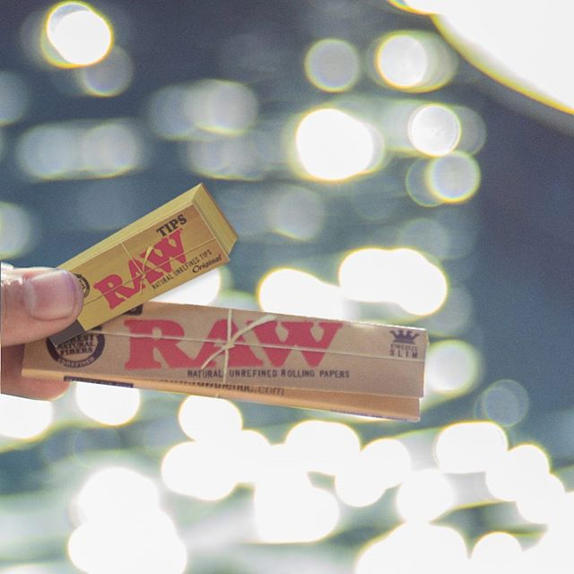 Be #rawthentic! Raw uses unrefined paper to